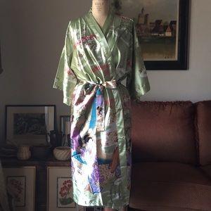 Beautiful 100% silk kimono style robe.